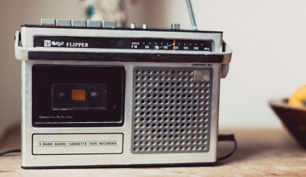 TOKYO FM デジタルラジオから撤退!最終損益83億円の赤字字_ラジオの未来は?