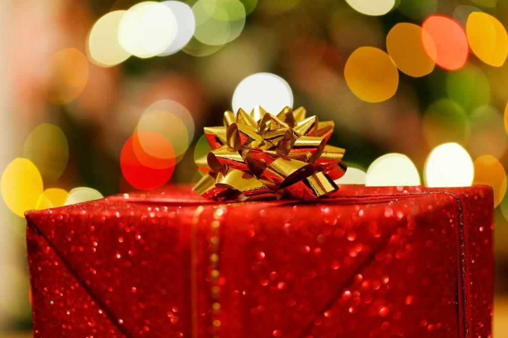 pixabay:PublicDomainPictures_christmas-present