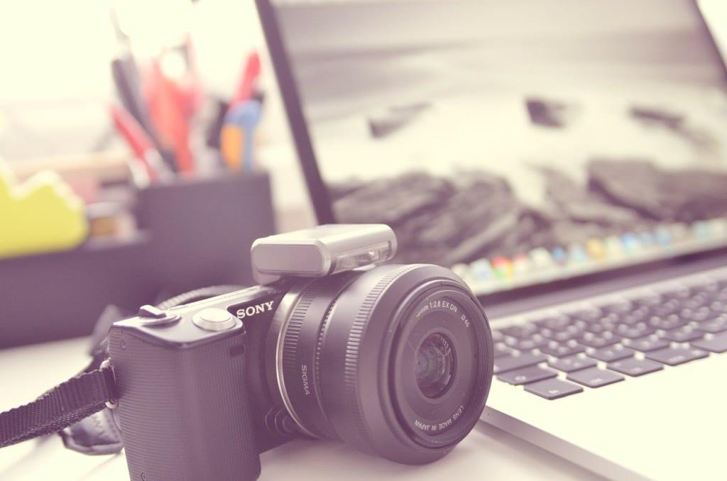 pixabay:camera_TheAngryTeddy